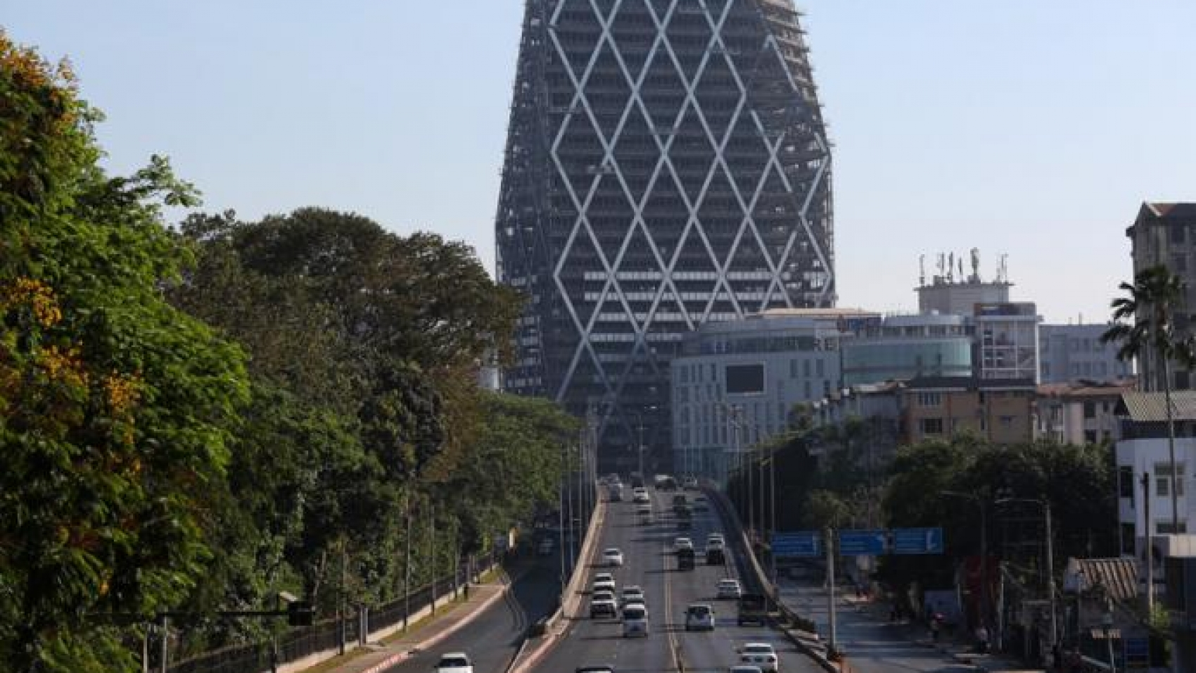 high-rise-commercial-building-in-yangon