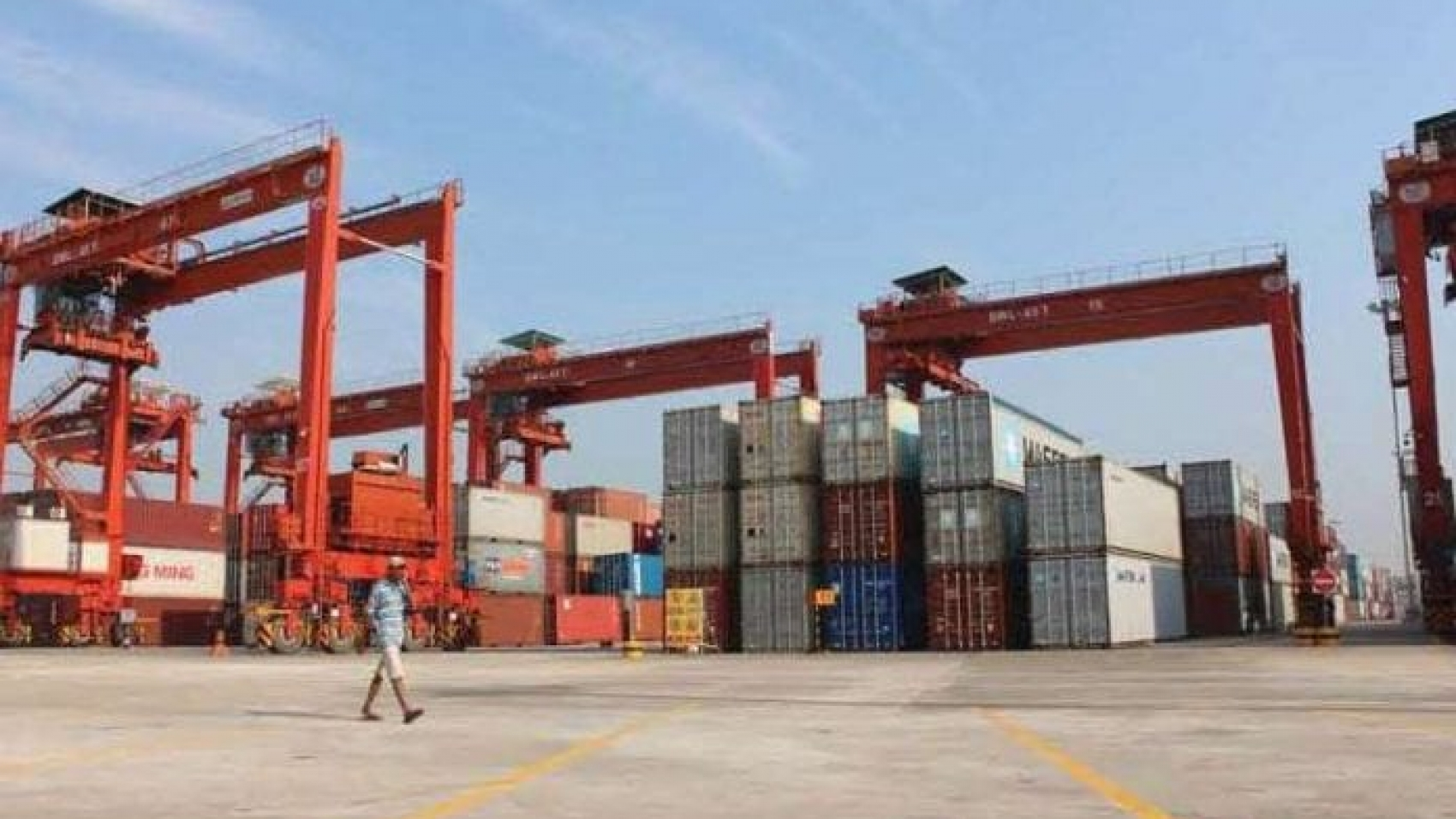trade-container-export-import_0-696x445